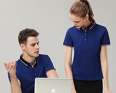定制T恤如何寻找靠谱的工作服厂家?